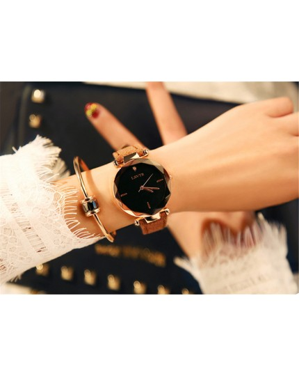 Female PU Strap Quartz Watch